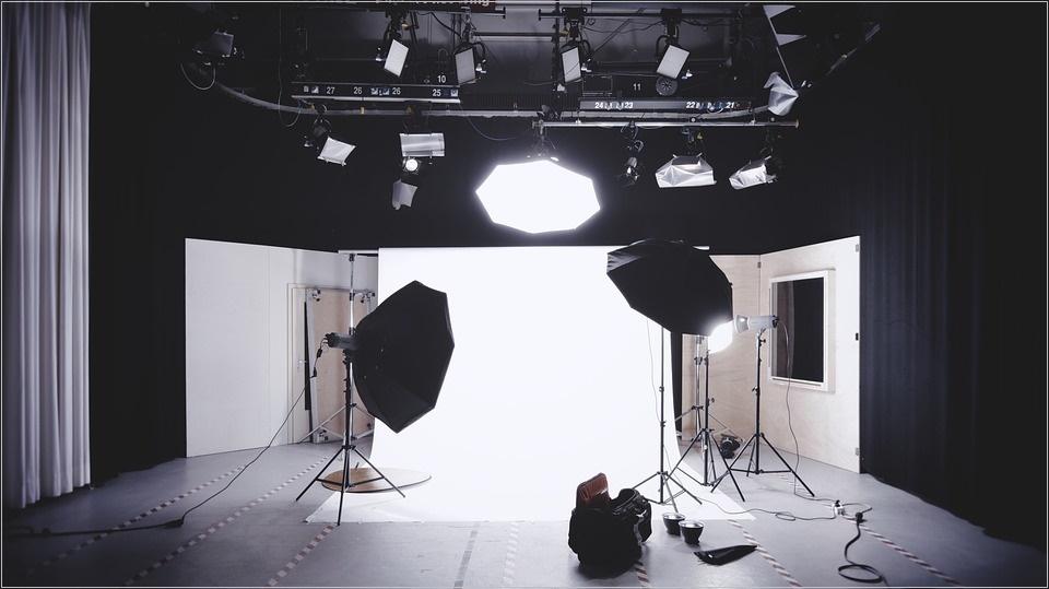 出張撮影 市場規模